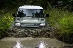 2021-Land-Rover-Defender-PHEV-17