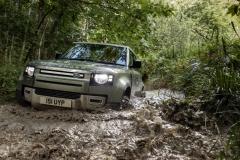 2021-Land-Rover-Defender-PHEV-18