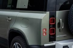 2021-Land-Rover-Defender-PHEV-30
