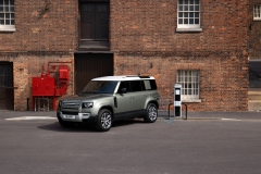 2021-Land-Rover-Defender-PHEV-4