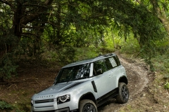 2021-Land-Rover-Defender-X-11