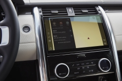 2021-Land-Rover-Discovery-Interiors-11