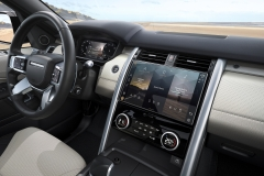 2021-Land-Rover-Discovery-Interiors-6