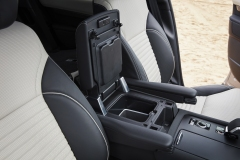 2021-Land-Rover-Discovery-Interiors-8