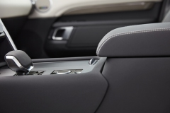 2021-Land-Rover-Discovery-Interiors-9