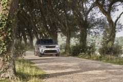 2021-Land-Rover-Discovery-47