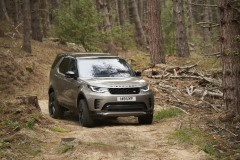 2021-Land-Rover-Discovery-50