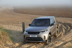 2021-Land-Rover-Discovery-54