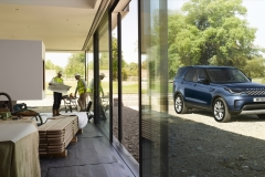 2021-Land-Rover-Discovery-69