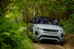 2020-Range-Rover-Evoque-Off-road-1