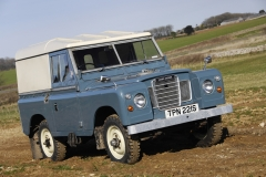 Land-Rover-Defender-Through-the-years-9