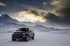 Land-Rover-Discovery-Sport-in-Iceland-Barolo-Black-1