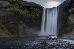 Land-Rover-Discovery-Sport-in-Iceland-Indus-Silver-8
