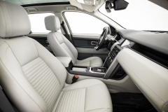 Land-Rover-Discovery-Sport-in-Iceland-Interior-1