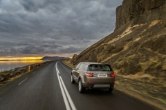 Land-Rover-Discovery-Sport-in-Iceland-Kaikoura-Stone-1