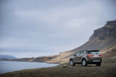 Land-Rover-Discovery-Sport-in-Iceland-Kaikoura-Stone-12