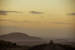 Land-Rover-Discovery-Sport-in-Iceland-Kaikoura-Stone-3