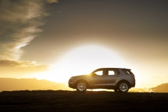 Land-Rover-Discovery-Sport-in-Iceland-Kaikoura-Stone-9