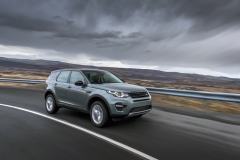 Land-Rover-Discovery-Sport-in-Iceland-Scotia-Green-1