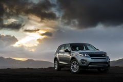 Land-Rover-Discovery-Sport-in-Iceland-Scotia-Green-12