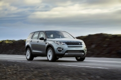 Land-Rover-Discovery-Sport-in-Iceland-Scotia-Green-15