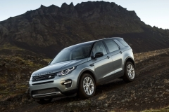 Land-Rover-Discovery-Sport-in-Iceland-Scotia-Green-8