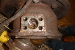 Land-Rover-Series-IIA-Day-16-Front-Swivel-Ring-Gear-Manifolds-004