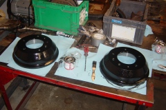 Landrover-Series-IIA-Day-17-Front-Diff-Wheel-Plate-More-Paint-004