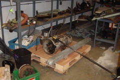 Landrover-Series-IIA-Day-17-Front-Diff-Wheel-Plate-More-Paint-005