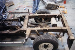 Land-Rover-Series-IIA-Day3-Read-Bed-Removal-11