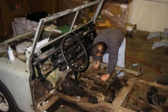 Land-Rover-Series-IIA-Day3-Read-Bed-Removal-14
