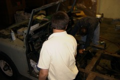 Land-Rover-Series-IIA-Day3-Read-Bed-Removal-15