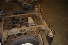 Land-Rover-Series-IIA-Day3-Read-Bed-Removal-16