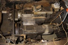 Land-Rover-Series-IIA-Day3-Read-Bed-Removal-18