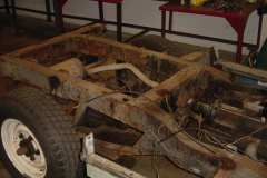 Land-Rover-Series-IIA-Day3-Read-Bed-Removal-6