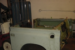 Land-Rover-Series-IIA-Day3-Read-Bed-Removal-7