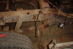 Land-Rover-Series-IIA-Day-4-DS-Wing-Removal-003