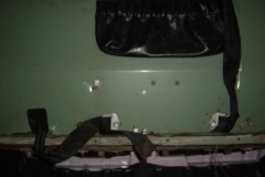Land-Rover-Series-IIA-Day-4-DS-Wing-Removal-023