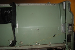 Land-Rover-Series-IIA-Day-4-DS-Wing-Removal-024