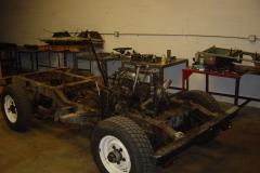 Land-Rover-Series-IIA-Day-7-Warehouse-Setup-025
