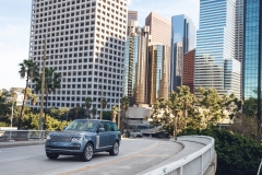 2018-Range-Rover-PHEV-in-Action-12