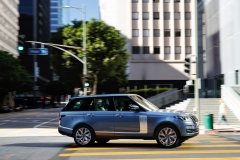 2018-Range-Rover-PHEV-in-Action-18