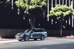 2018-Range-Rover-PHEV-in-Action-19