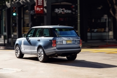 2018-Range-Rover-PHEV-in-Action-25