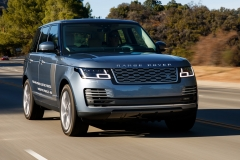 2018-Range-Rover-PHEV-in-Action-29