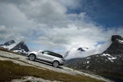 MY18-Velar-Offroad-Norway-1
