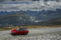 MY18-Velar-Offroad-Norway-13