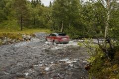 MY18-Velar-Offroad-Norway-18