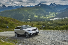 MY18-Velar-Offroad-Norway-2