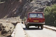 Range-Rover-Velar-Prototype-in-Morocco-2012-1